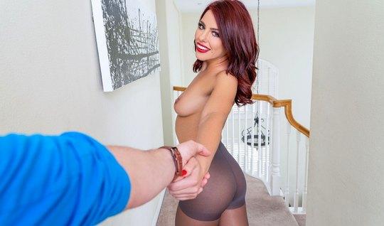 Девушка в чулках порадовала своего любовника сексом от перво...