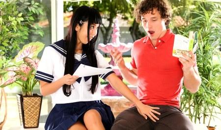 Чикагский парень учит японскую азиатку языку и межрасовому с...