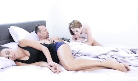 Милашка Карли Брукс прется с мужем после измены