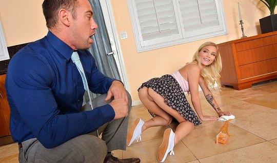 Женька Кастет разряжается в сексуальном плане с соседской бл...