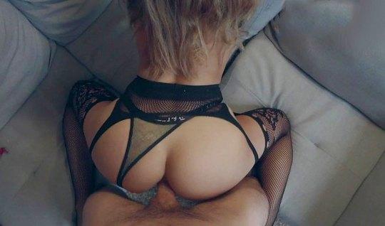Муж снимает домашний секс с женой, крупным планом показывая ...