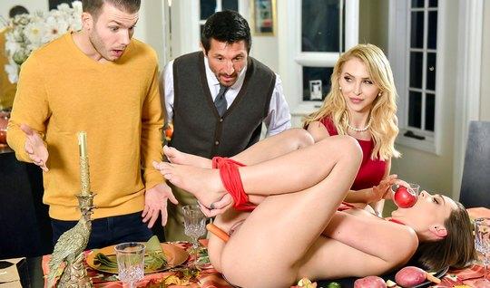 Групповое порно двух парней и двух молодых красоток завершае...