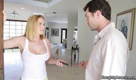 Крисси Линн сделала мужику массаж и показала мастер-класс по...